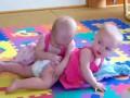 Ничего необычного, просто дети шлепают друг друга