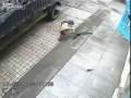 Решил пробить колесо грузовика