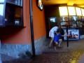 Пьяные подростки нападали с ножом в руках на прохожих в Киевском Гидропарке
