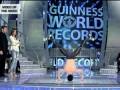 Мировой рекорд вращения на голове