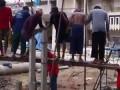 Как в Африке забивают сваи