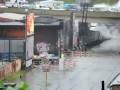 Аргентина. Пригородный поезд во время наводнения.