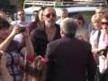 Мэр Запорожья Александр Син набросился на активиста на 'Марше мира