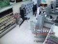 Землятресение в магазине