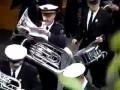 Подыграл оркестру