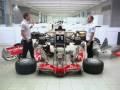 Vodafone ad - Lewis & Jenson, one car, no team