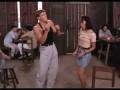 Ван Дамм танцует под минимал