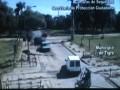Аргентинец спас машину рискуя жизнью