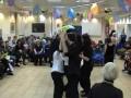 Танцоры-волонтёры устроили праздник онкологическим больным.