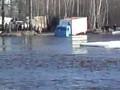 Камаз форсирует реку!