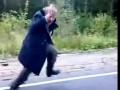 Бомж танцует в стиле Go-Go.mp4