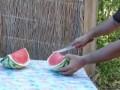Как надо резать арбуз. Лайфхак