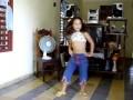 Niña cubana bailando regaeton. Cuba. Provincia de las Tunas
