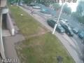 Школьница паркуется на отцовском джипе