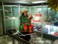 Амаяк Акопян в зоомагазине Динозаврик