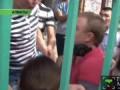 На оператора TengrinewsTV напали и покусали на съемках пожара в Алматы