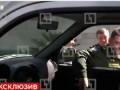 Генерал рассмешил Путина, оторвав ручку авто УАЗ Патриот во время экскурсии