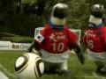 Южнокорейские пингвины научились играть в футбол