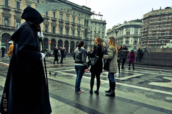 Голуби в Милане не боятся попасть в суп